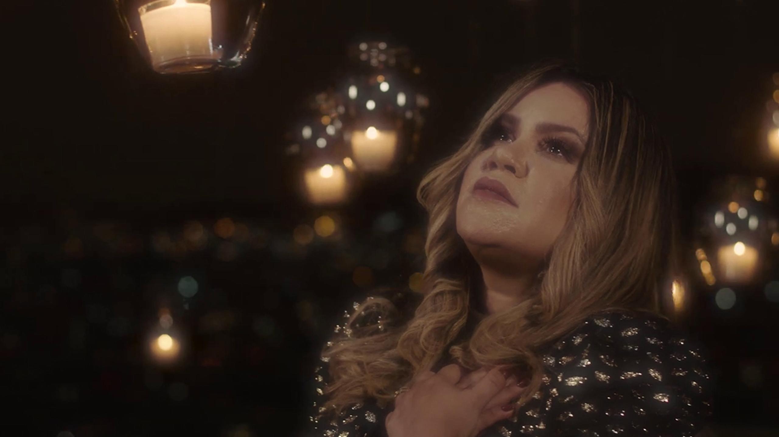 """Sarah Farias conta testemunho através de sua nova música """"O Céu Está me Sustentando"""""""