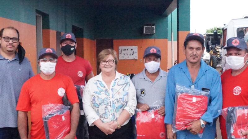 Castilho: Prefeita Fátima entrega uniforme e novos equipamentos à Brigada